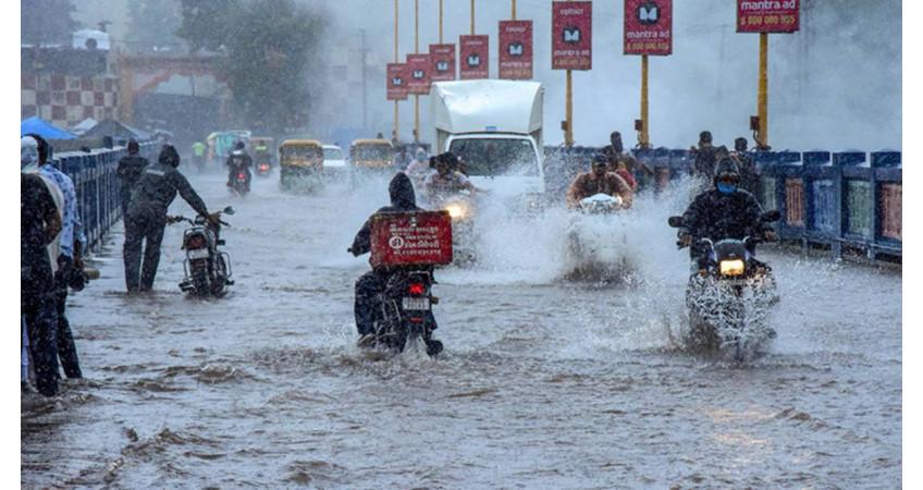 રાજકોટે 9 વર્ષ બાદ ફરી મેઘરાજાનું રૌદ્ર સ્વરૂપ જોયું: 2013માં એક જ દિ'માં પડ્યો'તો 19 ઈંચ વરસાદ