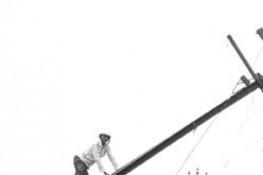 પી.જી.વી.સી.એલ. દ્વારા વીજ પુરવઠો પૂર્વવત કરવા યુધ્ધના ધોરણે કામગીરી